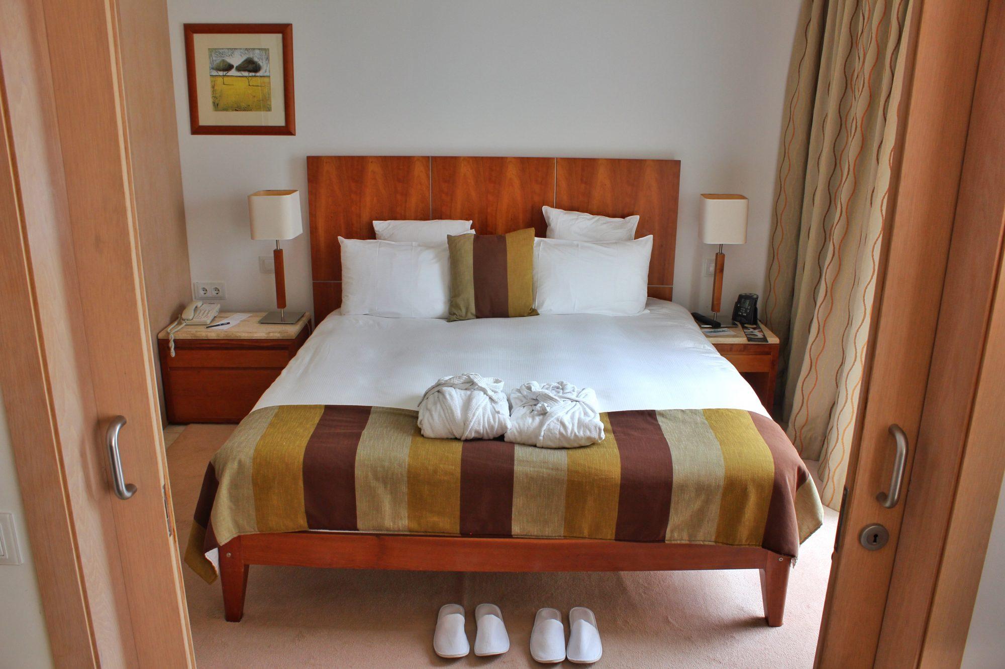 Apartment tour at Hilton Vilamoura As Cascatas Golf Resort & Spa, Portugal (Video)