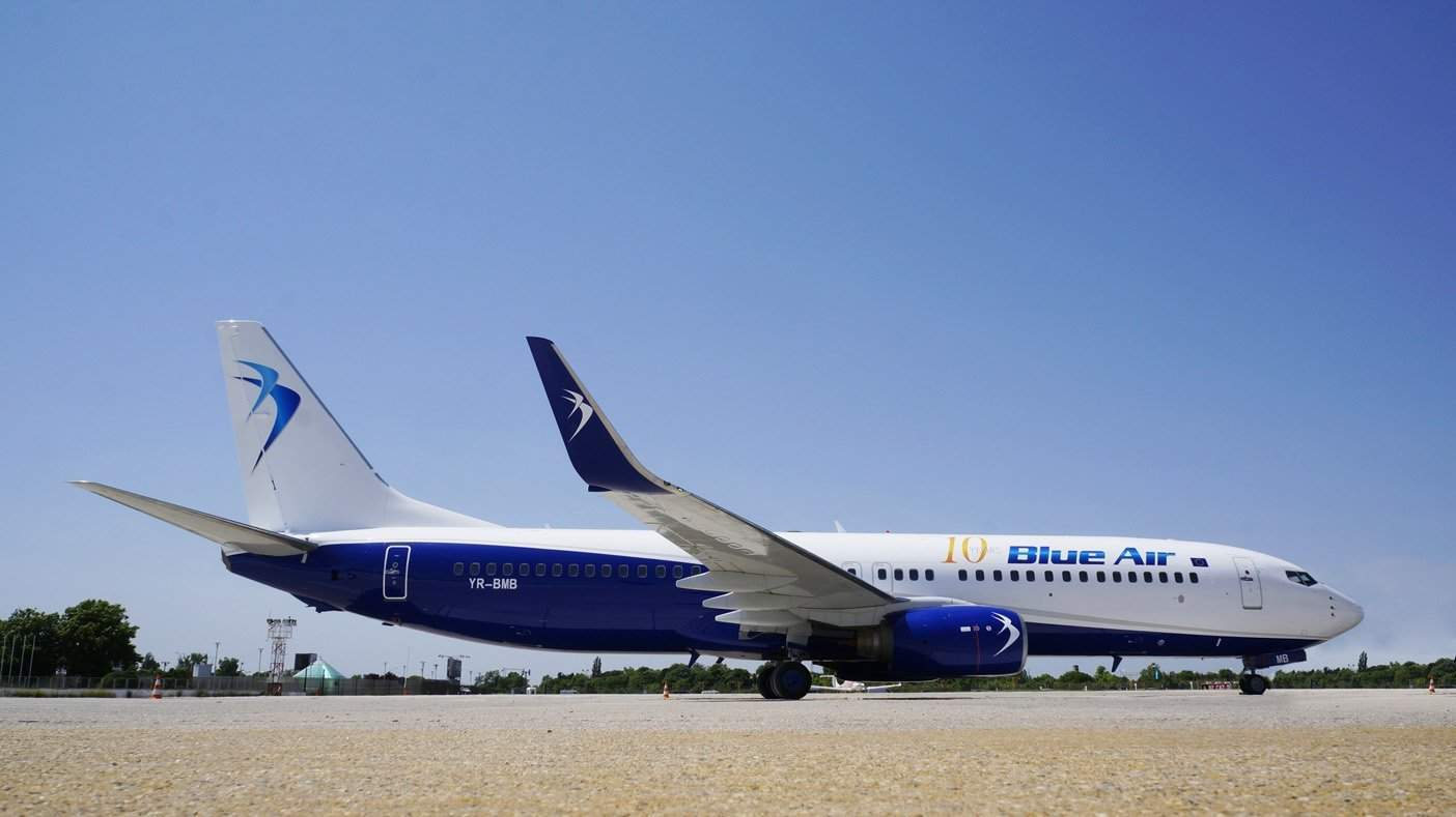 blue-air-boeing-737-800